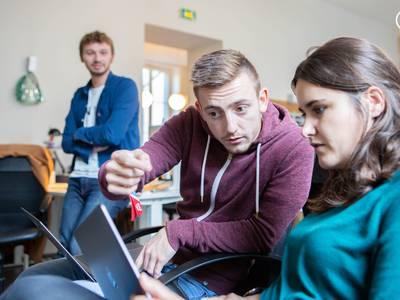 Recrutement : 2 développeur.se web pour intégrer la Tech Factory !